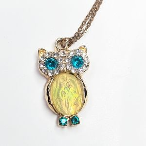 5/$25 Gold Tone Owl Rhinestone Chain Necklace